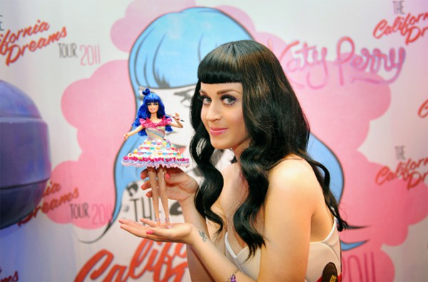 katy-perry-and-barbie-doll-with-cupcakes-dress.jpg